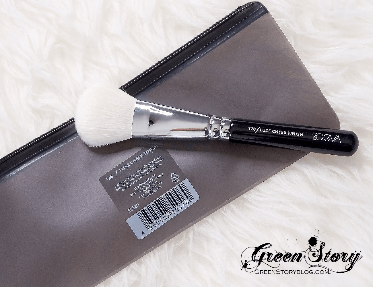 126 Luxe Cheek Finish Face makeup brush