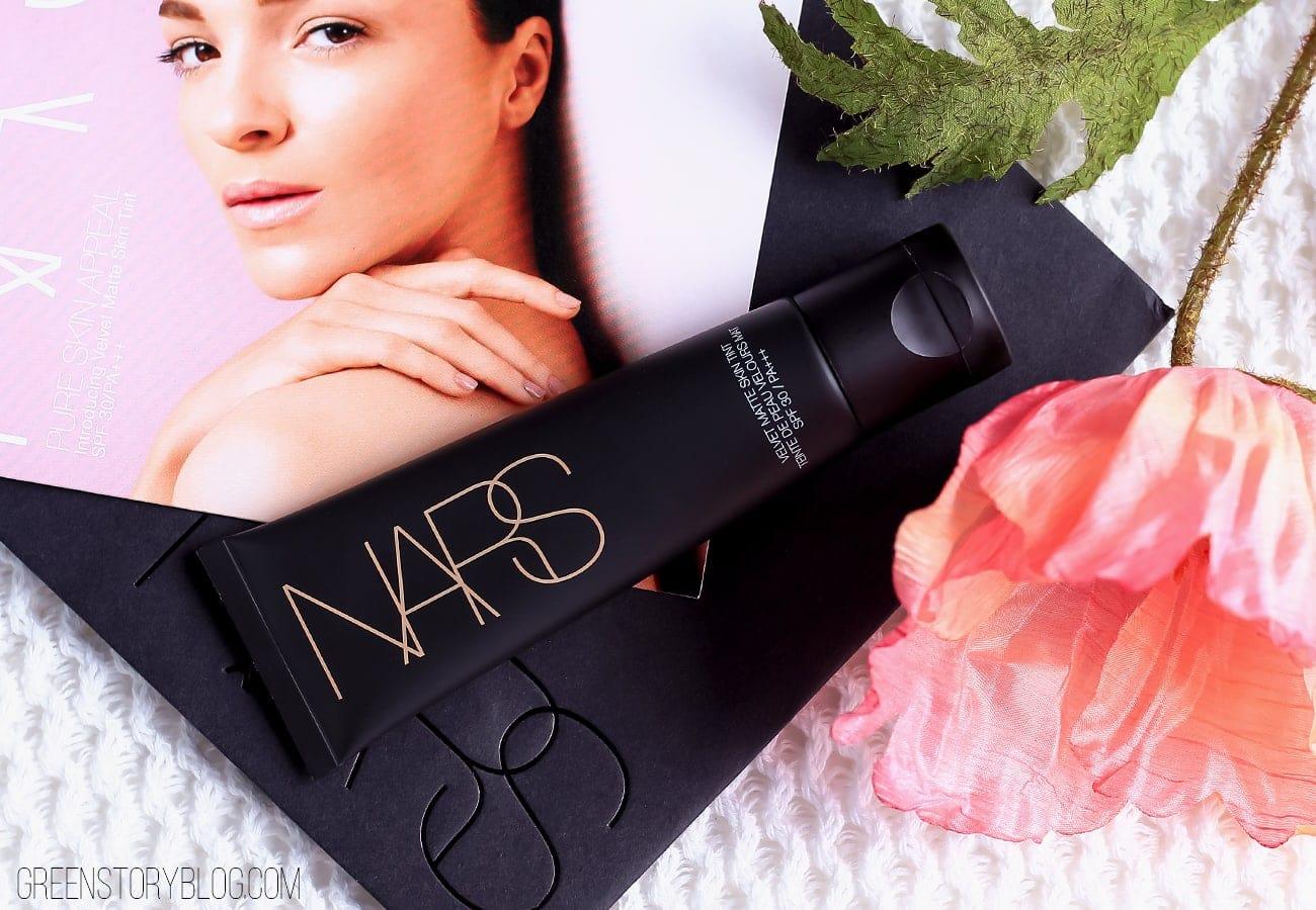 Nars-Velvet-Matte-Skin-Tint-Annapurna-2