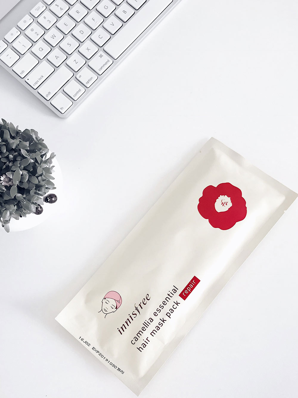 Innisfree Camellia Hair Mask Pack