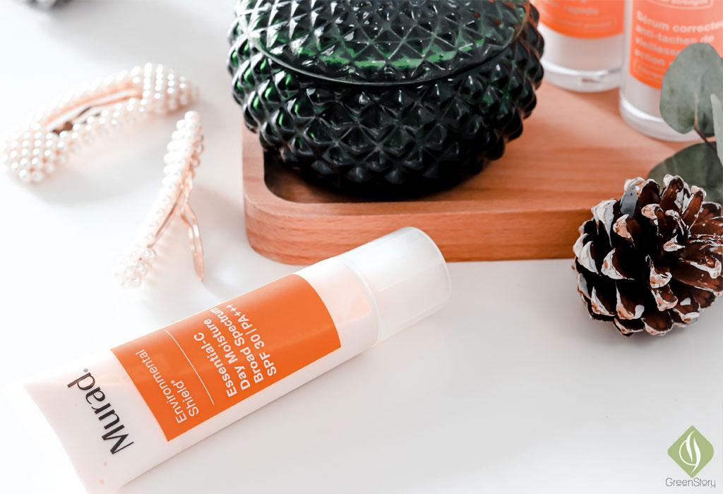 Vitamin C skincare for pregnant skin - Essential C Day Moisture | Murad Environmental Shield