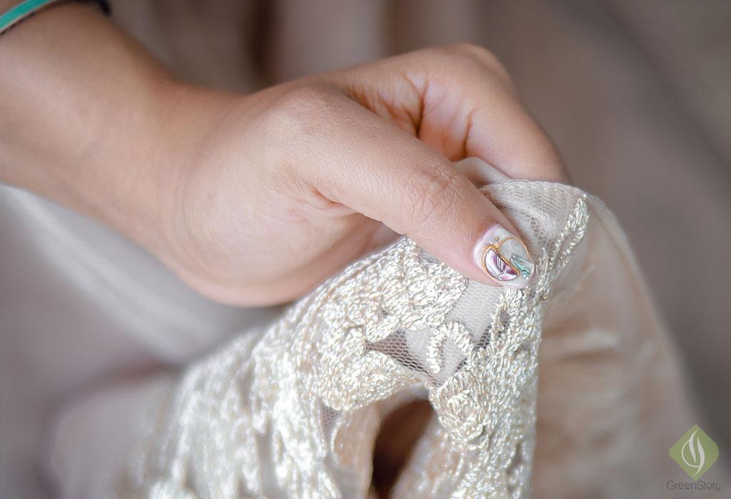Marble gel nail art by Maniqure Nail Salon